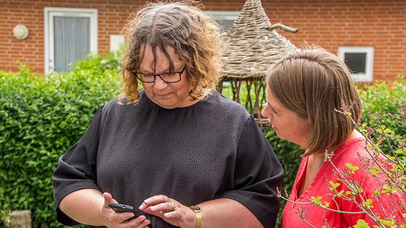 Ny telefon-teknologi hjælper demente i Odense